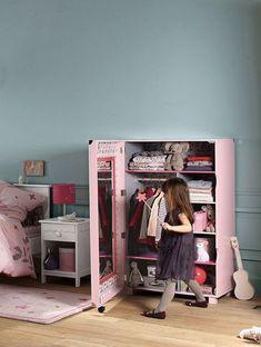 Une chambre de petite fille pour voir la vie en rose - CôtéMaison.fr                                                                                                                                                                                 Plus