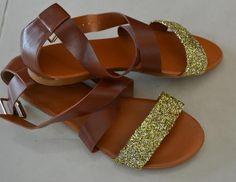 DIY Shoe Refashion: DIY Glitter Sandals : DIY Shoes : DIY Fashion : DIY Refashion : DIY Upcycle