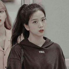 Kpop Girl Groups, Korean Girl Groups, Kpop Girls, Kim Jennie, Forever Young, Black Pink ジス, E Piano, Blackpink Members, Blackpink Photos