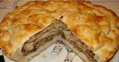 Курник— большой пирог, который часто готовят сразнообразными начинками. Считается, что название блюда связано стем, что изначально его готовили лишь скурицей. Курник называли королем пирогов, или царским пирогом. Готовили...