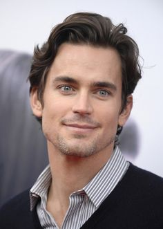 My God....those eyes and that chisled jaw...sexxxy matt bomer