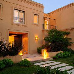 EXTERIORES: Casas de estilo moderno por JUNOR ARQUITECTOS Elevation Plan, Luxury Homes Dream Houses, Photography Projects, Home Repair, Residential Architecture, Ideal Home, Beautiful Homes, Sweet Home, Villa