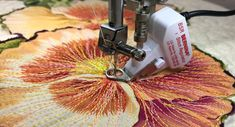 The BERNINA Stitch Regulator (BSR) makes it easy to sew regular and consistent free-motion stitching with little or no experience. Bernina Embroidery Machine, Machine Quilting, Free Motion Embroidery, Free Motion Quilting, Embroidery Software, Quilting Tips, Quilting Designs, Bernina 880, Thread Painting