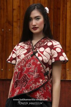 batik amarillis's joyluck jacket -revamped in classic & classy old… Batik Blazer, Blouse Batik, Batik Dress, Myanmar Traditional Dress, Traditional Dresses, Asian Fashion, Girl Fashion, Womens Fashion, Couture