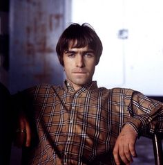 Was There Then: Vintage Oasis shots Jill Furmanovsky Oasis: Jill Furmanovsky Oasis Liam Gallagher Wonderwall Liam Gallagher Oasis, Noel Gallagher, Oasis Brothers, Oasis Music, Oasis Lyrics, Oasis Band, Liam And Noel, Indie Boy, El Rock And Roll