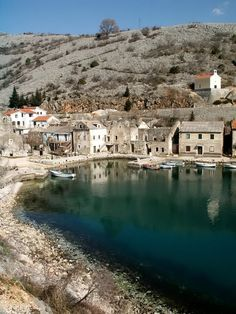 (via Cesarica, a photo from Licko-Senjska, Coast | TrekEarth)  Cesarica, Croatia