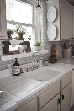 Home Renovation Modern 3 Reasons To Love This Fixer Upper Home, Amanda at Midcounty Journal Best Kitchen Sinks, Farmhouse Sink Kitchen, Kitchen Redo, New Kitchen, Cool Kitchens, Kitchen Ideas, Kitchen Sink Decor, Kitchen Cabinets, Awesome Kitchen