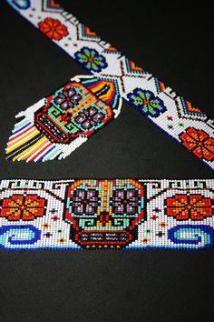 Yarn Bracelets, Handmade Jewelry Bracelets, Seed Bead Bracelets, Seed Bead Jewelry, Beaded Jewelry, Loom Bracelet Patterns, Bead Loom Patterns, Peyote Patterns, Beading Patterns