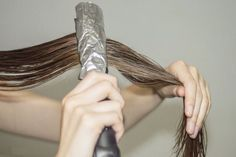 Con plancha y papel de aluminio tratamiento profundo para el cabello.. Recuperalo!!!
