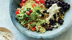 Who is celebrating Cinco de Mayo? Celebrating or not, this Mexican Quinoa Bowl from Deliciously Ella is a must try if you are craving Mexican but want to fell nourished at the same time! Healthy Mexican Recipes, Vegan Recipes, Meatless Recipes, Garlic Recipes, Free Recipes, Avocado, Deliciously Ella, Sbs Food, Quinoa Bowl