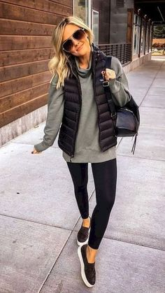 casual outfits for winter comfy \ casual outfits . casual outfits for winter . casual outfits for work . casual outfits for women . casual outfits for school . casual outfits for winter comfy Casual Winter Outfits, Casual Fall Outfits, Winter Fashion Outfits, Look Fashion, Autumn Winter Fashion, Outfits With Vests, Winter Fashion Women, Winter Outfits Women, Casual Winter Style