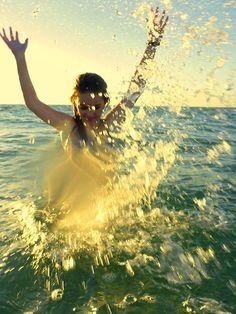Splashing in the sunlight. #PinToWin #NapoleonPerdis #NPSet #California