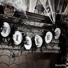 Fun ideas for a spooky Halloween party! Great tips.