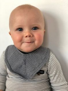 Knit a small, fun project for the smallest members of the family. This bib works up quickly and has a lot of turning rows. Knitting For Kids, Baby Knitting Patterns, Crochet Hook Sizes, Crochet Hooks, Baby Barn, Bib Pattern, Diy Baby, Baby Wearing, Beautiful Babies