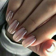Pink nail polish with glitter nail art - Nageldesign - Nail Art - Nagellack - Nail Polish - Nailart - Nails - Makeup Light Colored Nails, Light Nails, Gorgeous Nails, Pretty Nails, Pretty Toes, Nail Art Paillette, Hair And Nails, My Nails, S And S Nails