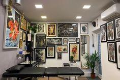 3. Red Point Tattoo Tattoo Shop Decor, Tattoo Studio Interior, Loft Style Apartments, Home Tattoo, Tattoo Parlors, Studio Setup, Shop Interior Design, Camilla, Home Decor