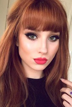 22 Nice and Flattering Hairstyles With Bangs Red Hair Color, Long Hair With Bangs, Haircuts With Bangs, Bang Haircuts, Straight Bangs, Red Hair Bangs, Bangs Hairstyle, Full Fringe Long Hair, Hairstyle Ideas, Full Bangs