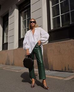 How to style colored leather for fall #outfitideas #ootd #fallfashion