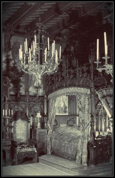 Now THAT's a Goth bedroom.