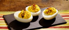 Hummus Deviled Eggs: Probably the best deviled eggs I have ever had. Make Ahead Appetizers, Appetizer Recipes, Snack Recipes, Cooking Recipes, Snacks, Sabra Hummus Recipe, Spicy Hummus, Healthy Hummus, Healthy Gourmet