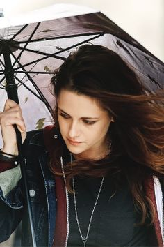 Kristen Stewart on the set of 'Still Alice' in New York | March 4th 2014