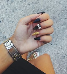 #nails #black #gold #glitters