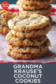When my two daughters were young, their great-grandma made them coconut cookies with oats. Thankfully, she shared the recipe. Cookies Healthy, Oat Cookies, Yummy Cookies, Cookies Et Biscuits, Oatmeal Coconut Cookies, Cookie Recipes, Snack Recipes, Dessert Recipes, Snacks