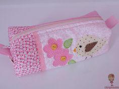 Estojo patchwork. Loja: www.elo7.com.br/chiquetosa