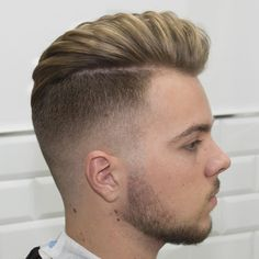 Haircut by javi_thebarber_ http://ift.tt/1GVeVUS #menshair #menshairstyles #menshaircuts #hairstylesformen #coolhaircuts #coolhairstyles #haircuts #hairstyles #barbers