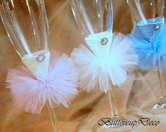 Bridal party champagne glass, Bride Champagne Flute, Bridesmaid Champagne glass