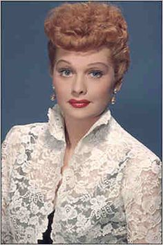 August is Lucille Ball's birth month. I recommend reading Desilu: The Story of Lucille Ball and Desi Arnaz. TCM's host Robert Osborne is quoted a lot in it. Lucille Ball, Classic Tv, Classic Beauty, Classic Movies, Divas, Comedy Center, Lucy And Ricky, Desi Arnaz, Gorgeous Redhead