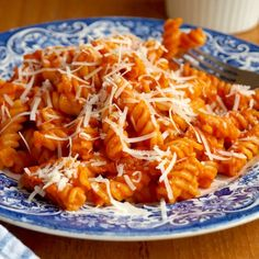 Creamy roasted red pepper tomato pasta - a comforting dish that you will make time and time again!