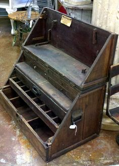 Old Tool Chest, I want!