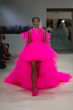 Haute Couture Style, Couture Week, Fashion Week, Runway Fashion, High Fashion, Fashion Show, Fashion Design, Tulle Dress, Dress Up