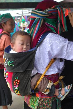 Hmong mother & her son @ the market