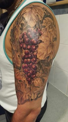 freehand vineyard grapes by on deviantart tattoos pinterest. Black Bedroom Furniture Sets. Home Design Ideas