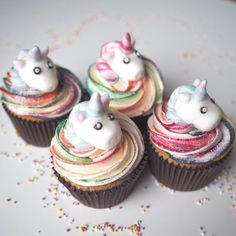 Unicorn Cupcakes, amazing colour butter cream swirls & Marshmallow Unicorns. Perfect for girls.