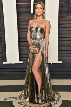 Kate Hudson Puts Her Leg on Display at Oscars 2016 Vanity Fair Party!: Photo Kate Hudson shows off so much leg in her sexy dress at the 2016 Vanity Fair Oscar Party held at the Wallis Annenberg Center for the Performing Arts on Sunday (February… Kate Hudson, Brian Atwood, Sexy Dresses, Nice Dresses, Dresses 2016, Party Dresses, Formal Dresses, Diane Kruger, Party Looks