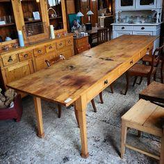 Ein toller 3meter Tisch! #longtable #langertisch #Antiquitäten #antiqueshop #blog #wohnartistin