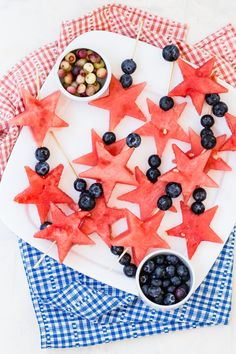 Easy Of July Recipes That Will Impress Party Guests: Fruit Wands Easy Fourth Of July Recipe, Fourth Of July Food, 4th Of July Celebration, July 4th, Grilled Avocado, Grilled Fruit, Kreative Snacks, Dairy Free Salads, Avocado Dishes