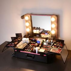 AW 6 LEDs Rolling Makeup Case Trolley on Wheels w/ Mirror Adjustable Legs Studio Artist Cosmetic Travel Black Image 3 of 10 Makeup Box, Makeup Storage, Makeup Organization, Beauty Makeup, Studio Interior, Interior Modern, Ruby Rose, Maquillage Marilyn Monroe, Rolling Makeup Case