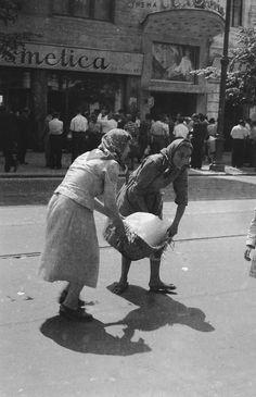 intr o vizita virtuala cu petruta dinu la oancea camelia zice petruta dinu Bucharest Romania, Magnum Photos, Socialism, Street Photography, Artist, Cinema Victoria, Google, Pakistan, Memories