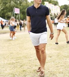 Summer Outfits Men, Summer Suits, Summer Wear, Mens Style Guide, Men Style Tips, Sexy Shorts, Guys Shorts, Cruise Fashion, Man Dressing Style