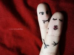 Clever Finger Portraits by Juliana Coutinho