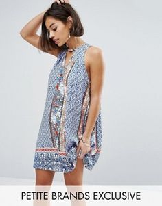 Buy Sisters Of The Tribe Petite Print Swing Dress at ASOS. With free delivery and return options (Ts&Cs apply), online shopping has never been so easy. Get the latest trends with ASOS now. Tall Dresses, Casual Day Dresses, Summer Dresses, Robe Swing, Swing Dress, Petite Outfits, Petite Dresses, Vegas Dresses, Asos