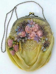Lots of old-fashioned charm found in this vintage velvet purse with silk ribbon roses. Vintage Purses, Vintage Bags, Vintage Handbags, Vintage Love, Vintage Outfits, Vintage Fashion, Vintage Yellow, Vintage Beauty, Vintage Floral