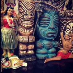 getwiththe40s:  #hulagirls and #tiki #gods