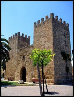 Alcudia. Murallas. Puerta des Moll o de Xara  Mallorca  Spain