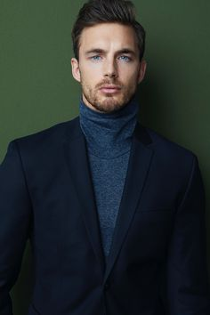 Between the Lines: Christian Hogue by Lalo Torres Christian wears turtleneck Thom Browne and suit Acne Studios. Sharp Dressed Man, Well Dressed, Christian Hogue, Christian Dior, Thom Browne, Streetwear, Vogue, Herren Outfit, Mens Fashion Suits