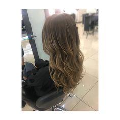 natural balayage. Ombre. Blonde. Waves. Wavy Hair. Blonde Waves, Wavy Hair, Stylists, Long Hair Styles, Natural, Beauty, Hair Weaves, Wavey Hair, Long Hairstyle